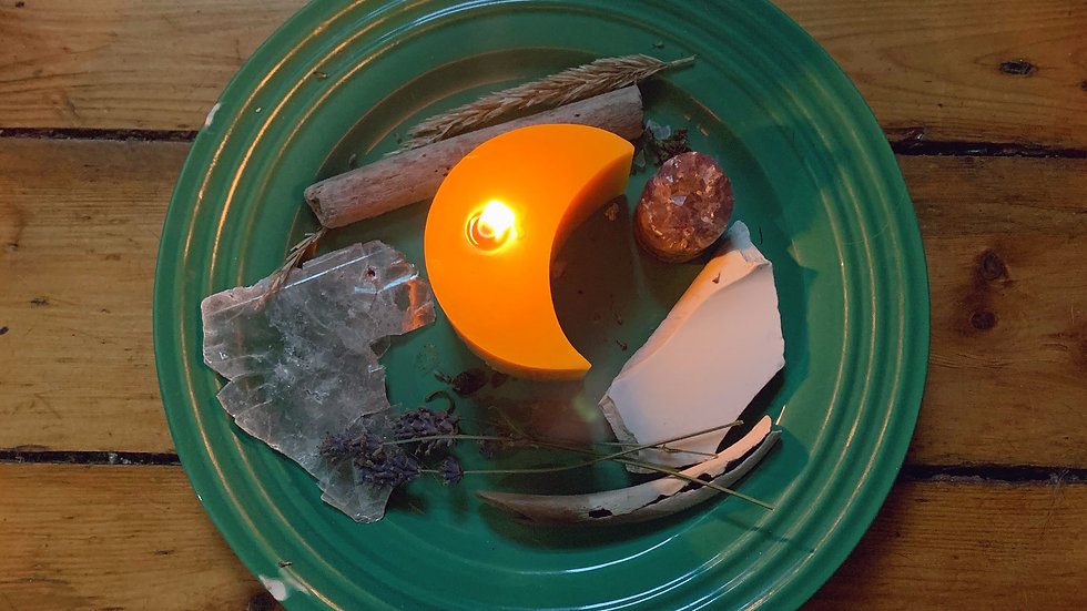 Crescent Candle