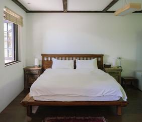 白石主臥室