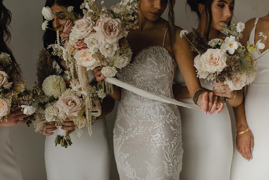 bride-and-bridesmaid.png