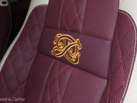 Эксклюзивная перешивка салона Range Rover в вишневую кожу