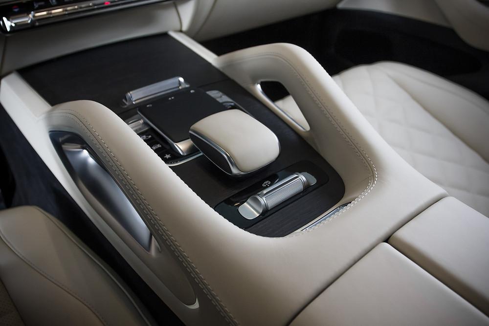 Перетяжка торпедо Mercedes-Benz GLE натуральной кожей