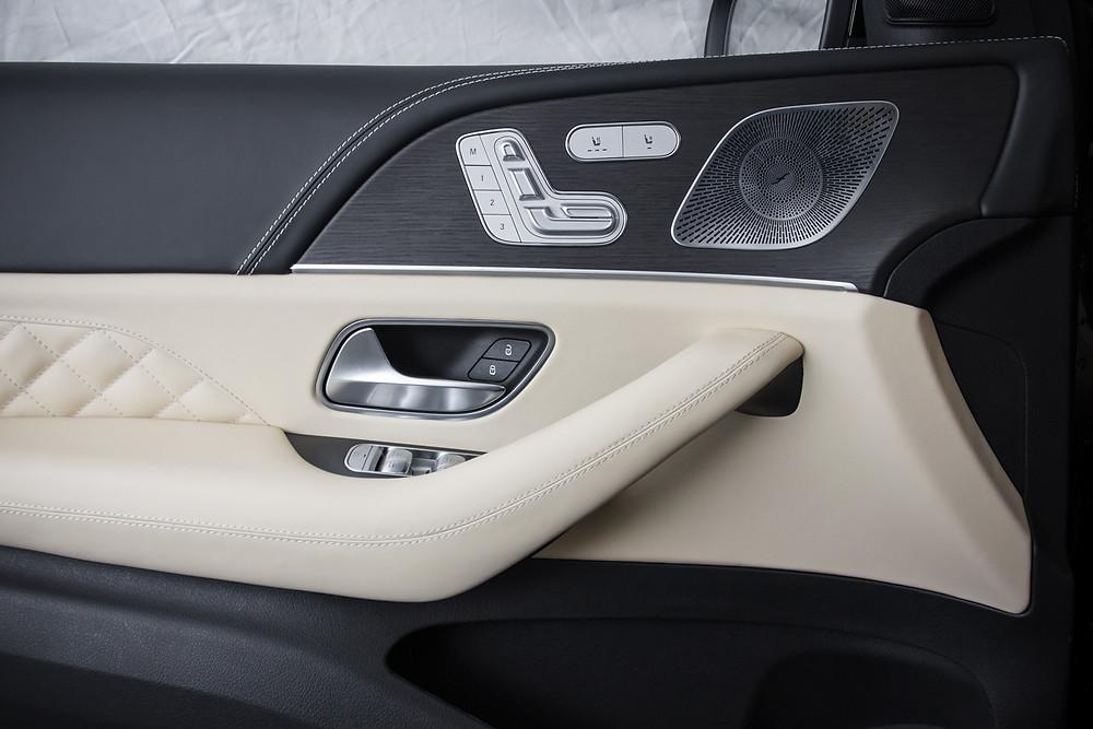 Перетяжка дверных вставок Mercedes-Benz GLE натуральной кожей