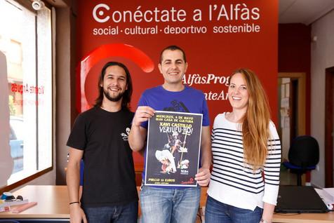 Joves Socialistes presentan  en L'Alfàs el último espectáculo del humorista y actor alcoyano Xavi Ca