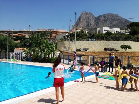 Comienzan los cursos de natación en la nueva piscina municipal de Finestrat
