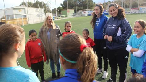 Galería de 71 fotos del primer entrenamiento de la Selección Femenina de Benidorm