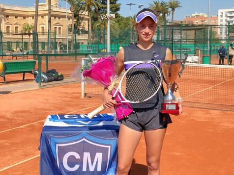 Lucía Llinares gana el Torneo Internacional Tenis Junior ITF Valencia