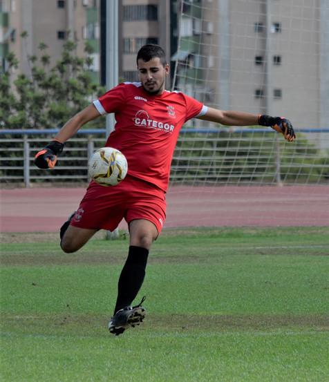 Galería de 33 fotografías del partido entre el CF Benidorm B y el Novelda