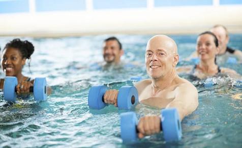 Benidorm retoma mañana 8 escuelas deportivas municipales y la actividad de Aquagym