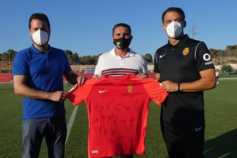 El Mallorca gana al Eibar en La Nucía