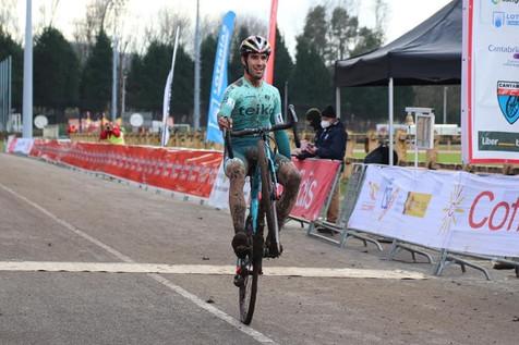 Felipe Orts, campeon de España de ciclocrós en Torrelavega