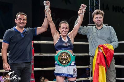 Eva Naranjo gana el Cinturón Internacional de Boxeo en La Nucía