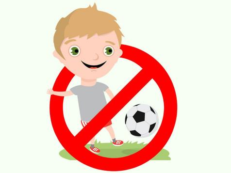 Mamá, ¿por qué yo no puedo jugar a fútbol con mi equipo?