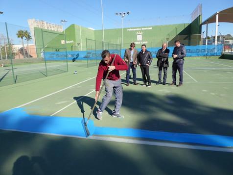 La Ferrer Tenis Academy renueva las cuatro pistas de tenis de La Nucia