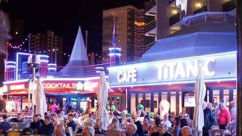 El Ayuntamiento trabajará con restaurantes y bares en la disposición de las terrazas