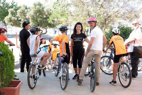 Entrega de diplomas de la Escuela de Ciclismo en el Vasco Núñez de Balboa