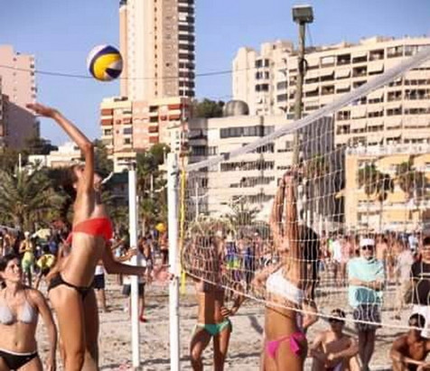 Las juveniles del Club Voleibol Finestrat obtienen la posición 19 en el Campeonato de España sub 19