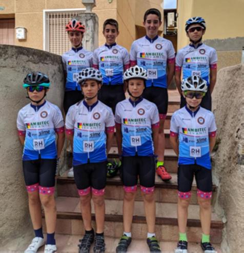 Ciclistas de la comarca compiten en Villajoyosa