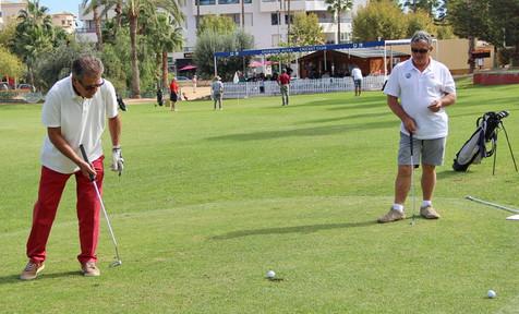 El  IV trofeo de Golf  del Club de Leones recaudó 600 € que se destinarán al Banco de Alimentos