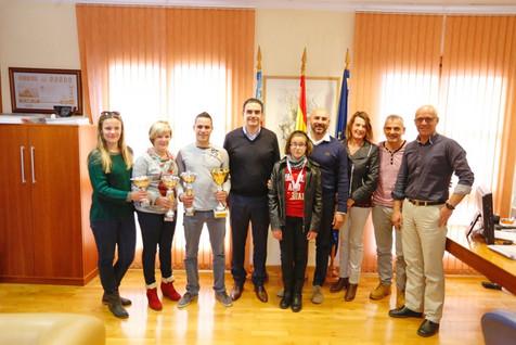 El alcalde felicita a Lucía Martínez y Jorge Berenguer por los logros de la temporada