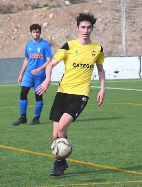 Galería de 36 fotografías del partido del Juvenil de la UE Finestrat y el CF Benidorm B