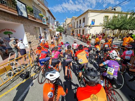 El ciclista vilero Marc Fernández se impone en Alfaz