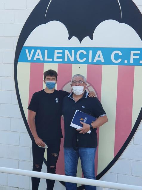 El canterano del At Benidorm CD Fernando Arcana ficha por el Valencia