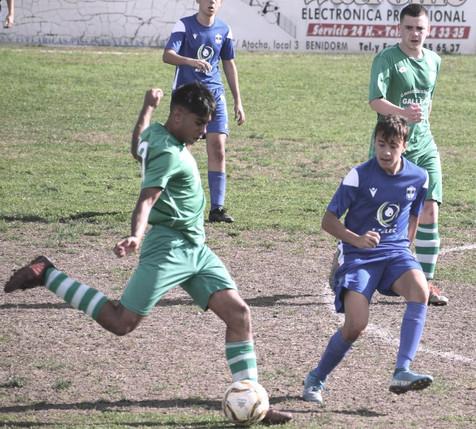 Galería de 57 fotografías del partido entre el Juvenil del CD Polop y el CF Benidorm B