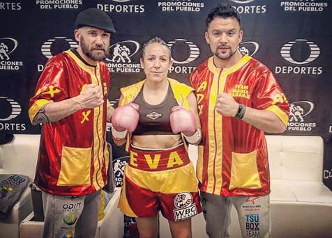 """Eva Naranjo se despide del boxeo con derrota ante """"Barby"""" Juárez en México"""