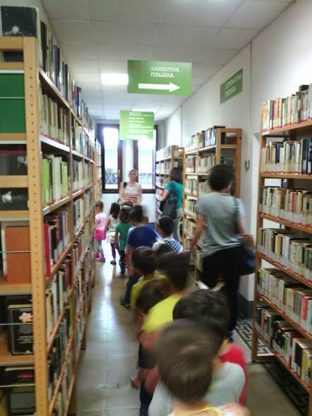 Studenti in biblioteca / Bellaria
