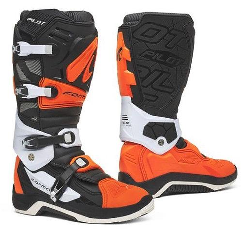 Forma Pilot Boot Black/Orange/White