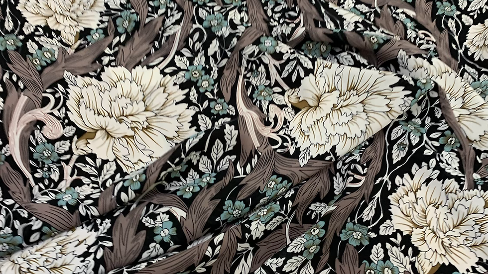 בד קרפ עם פרחים
