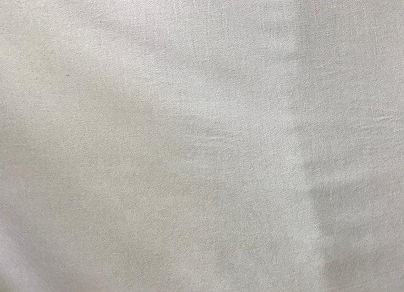 בד קרפ סטן לבן