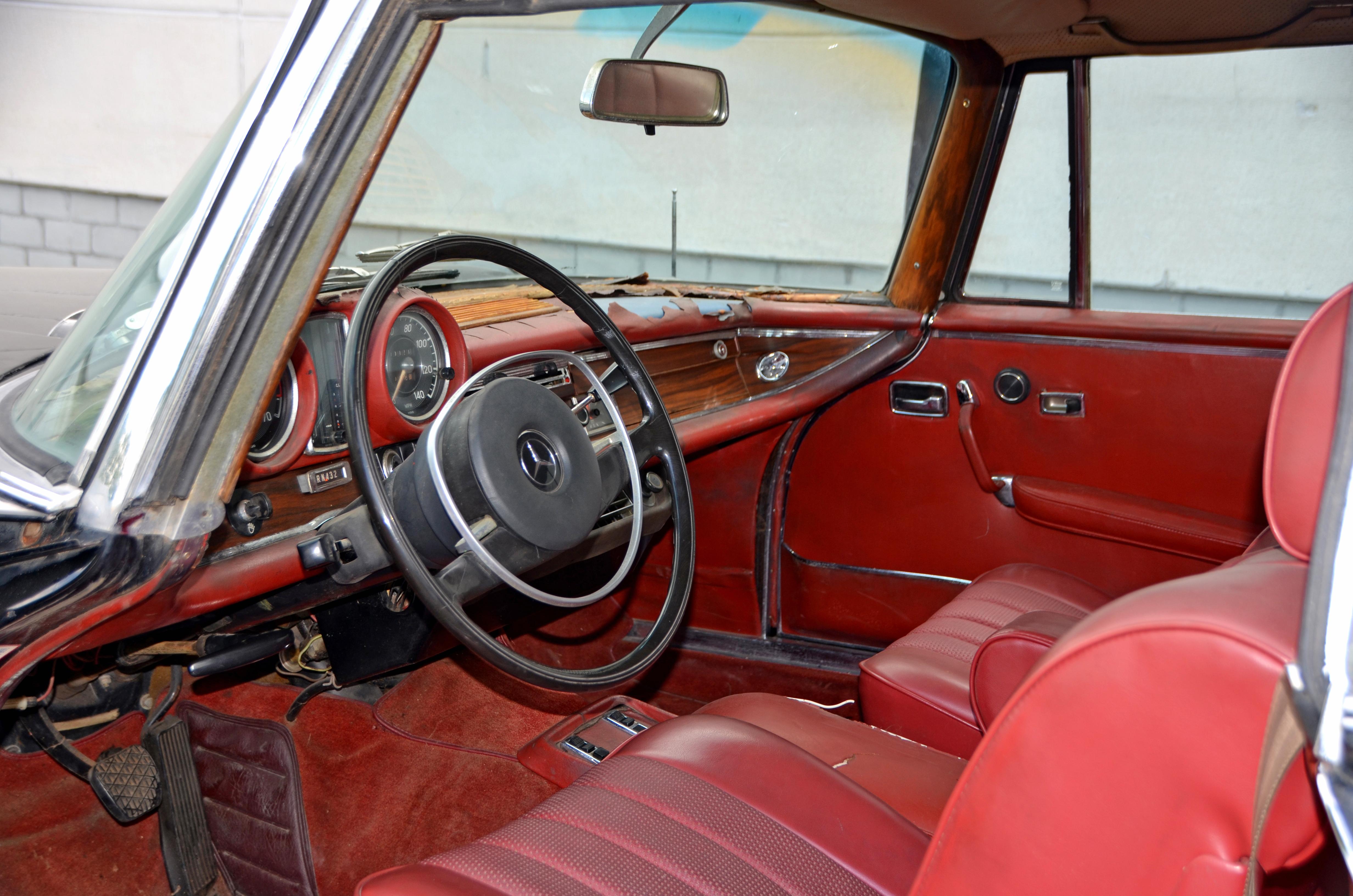 Mercedes Benz 280 SE_11