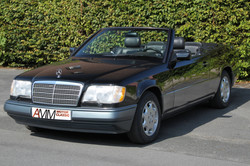 Mercedes E320 schwarz