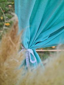 Details Trausetting mint Vorhang weiße Schleife und Pampasgras