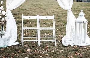 Stühle Trauung Mrs. Deko.jpg