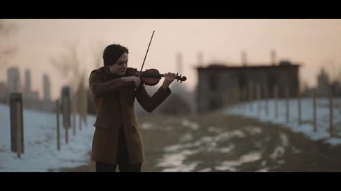 Francisco Fullana / plays Isang Yun's Königliches Thema