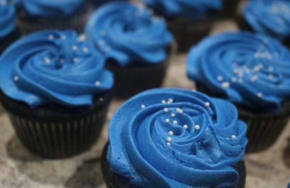 Blue Velvet Cupcakes 12 ct