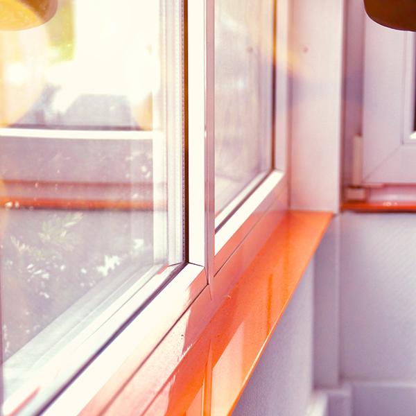 Fensterbank aus Glas
