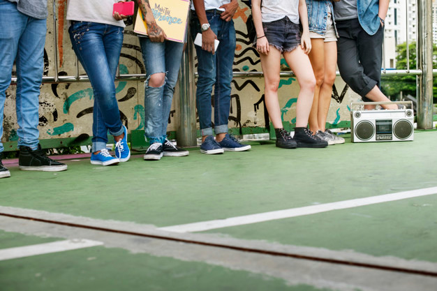 teenagers-lifestyle-casual-culture-youth