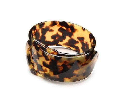 16 Buckle Bracelet