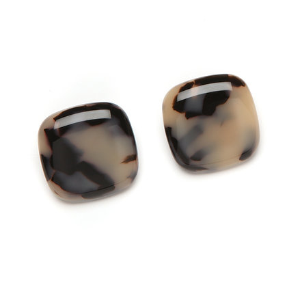 46 Lara Clip Earring