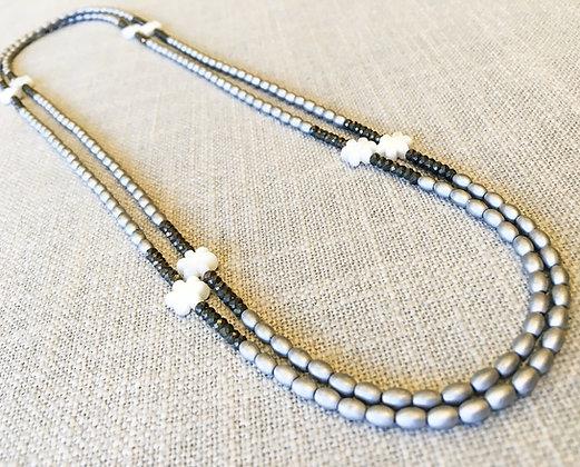 46  Petite Flower Power Colorblock Necklace