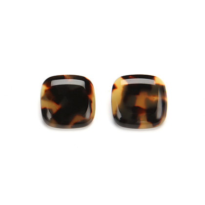 44 Lara Clip Earring