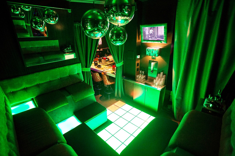 AC_Lounge_interior10.jpg