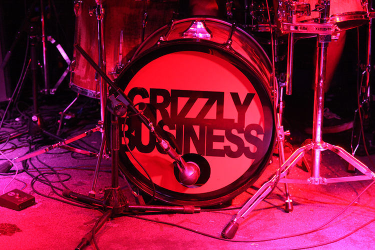 GRIZZLY BUSINESS
