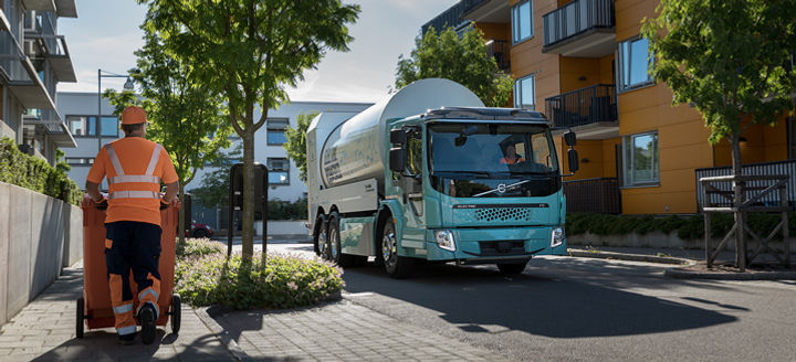 Volvo Trucks launches sales of electric