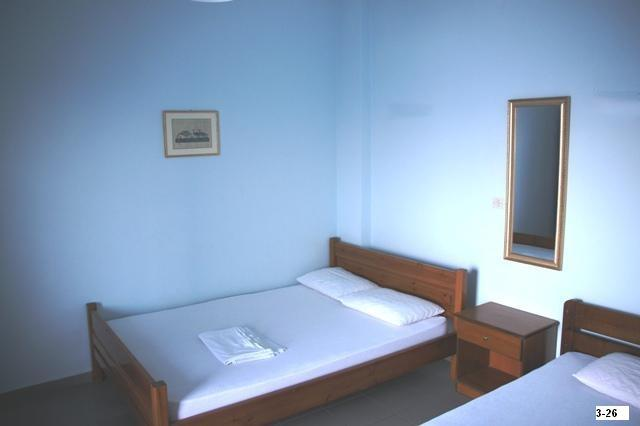 apart. beds 2 + 1