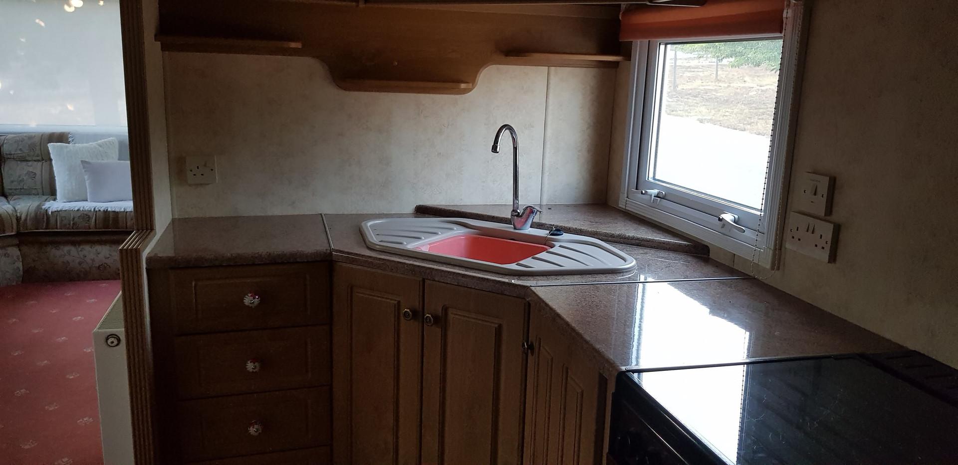 79 retreat kitchen.jpg