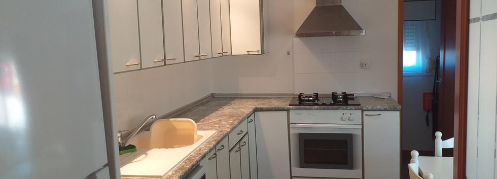 Kitchen picture 2.jpg